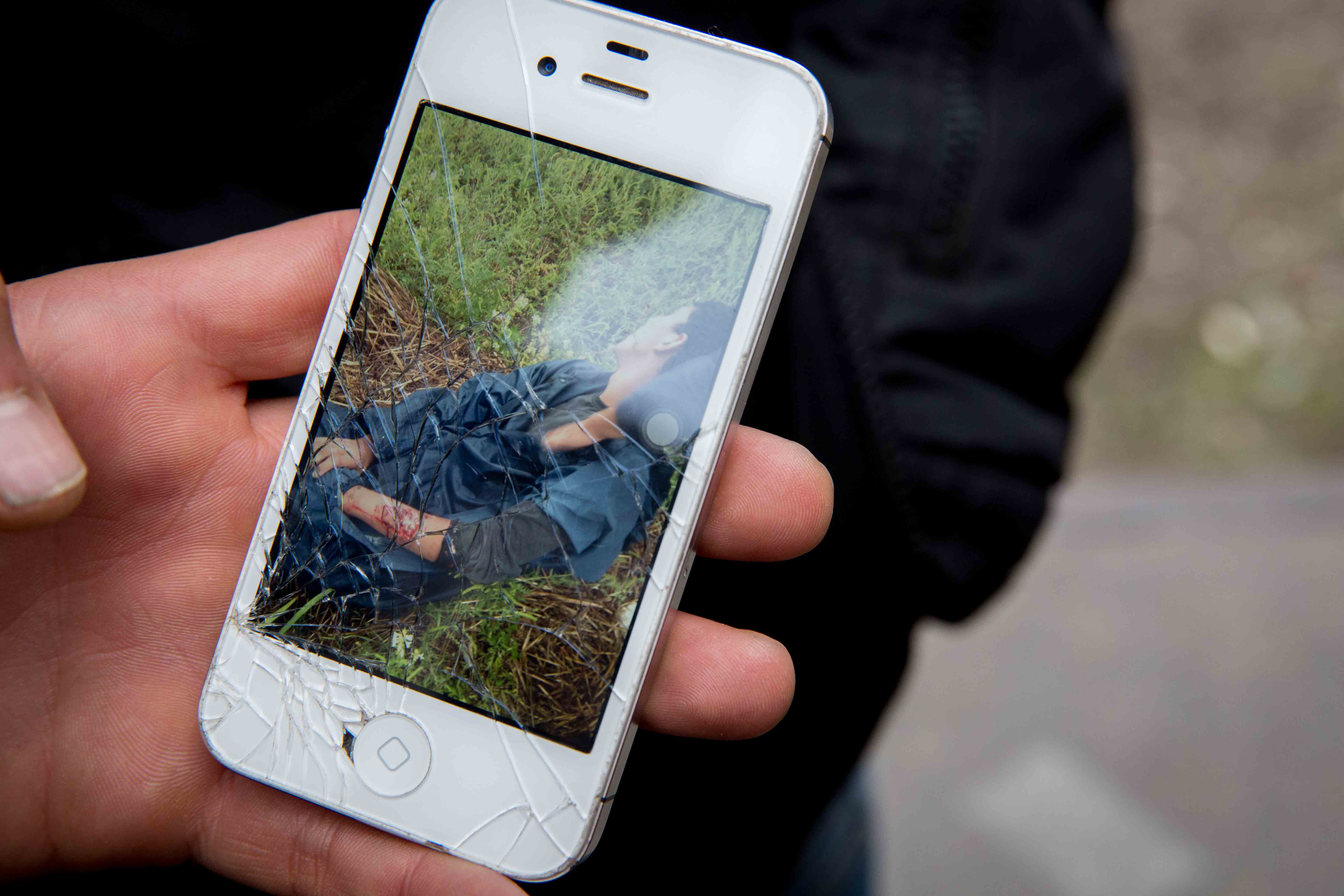 Several Afghans mentioned the dogs that the Hungarian border guards now use and how they feared them. One Afghan showed pictures on his phone that are making the rounds of a young man with serious dog bites. Photo: Martine van Bijlert