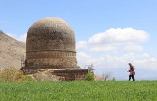 Topdara stupa, the west view. The history of the Topdara stupa is still unknown. However, given its location near the site of the ancient city of Kapisa (around or in what is now Bagram, a small bazaar town mainly known for the gigantic air base nearby), it may have been commissioned between 200 and 400 CE. Photo: ACHCO, 2019